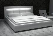 Miegamojo lova su apšvetimu Moon