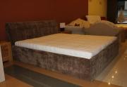 Dvigulė miegamojo lova
