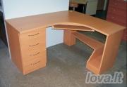 Kampinis rašomasis stalas