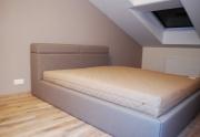 Minkšta lova su daiktadėžėmis